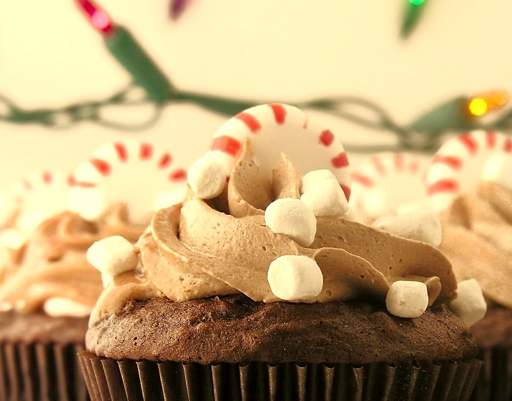 Recipe: Peppermint Hot Chocolate Cupcakes
